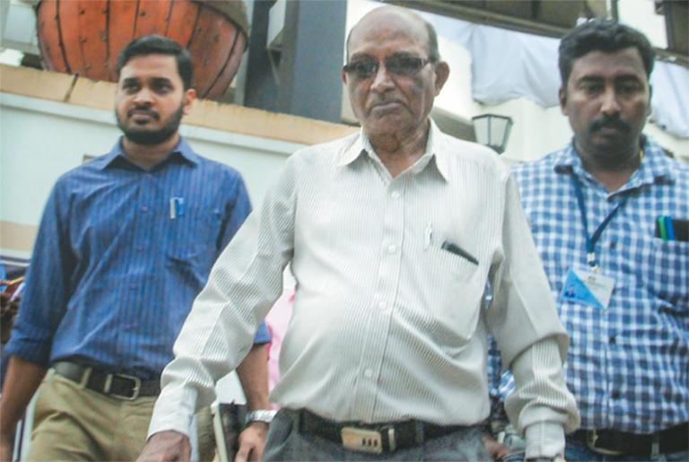 എസ് ബി സർവാത്തേ ഫ്ലാറ്റുകൾ സന്ദർശിക്കുന്നു