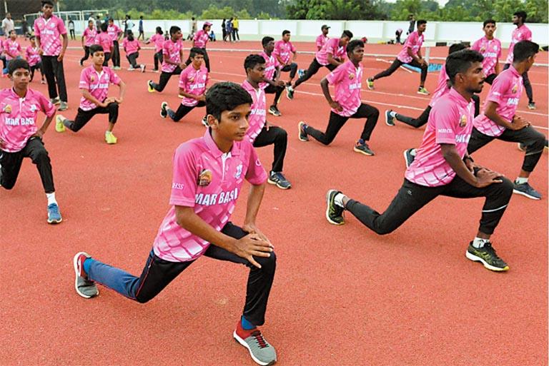 കോമതംഗലം മാർ ബേസിൽ സ്കൂളിലെ അത്ലീ്റ്റുകൾ പരിശീലനത്തിൽ \ ഫോട്ടോ: പി ദിലീപ്കുമാർ