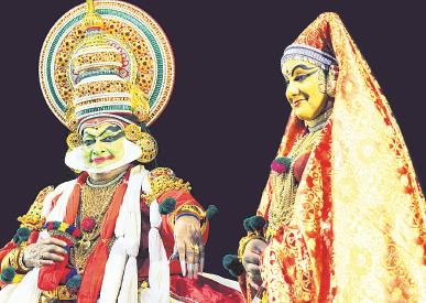 നളചരിതം രണ്ടാം ദിവസത്തിൽ  നളനായി പത്മശ്രീ കലാമണ്ഡലം ഗോപി  ദമയന്തിയായി മാർഗി വിജയകുമാർ
