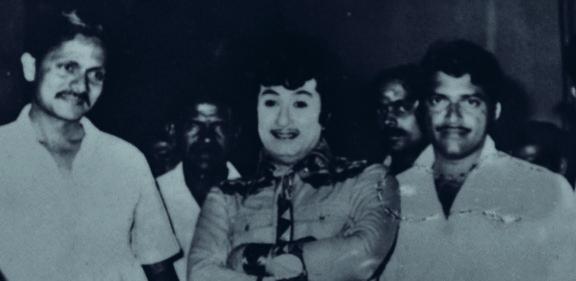 എം ജി ആറിനൊപ്പം