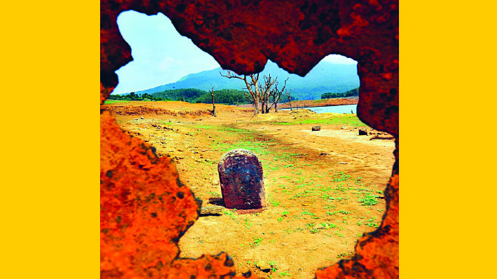 കുതിരപ്പാണ്ടി റോഡിലെ മൈൽക്കുറ്റി