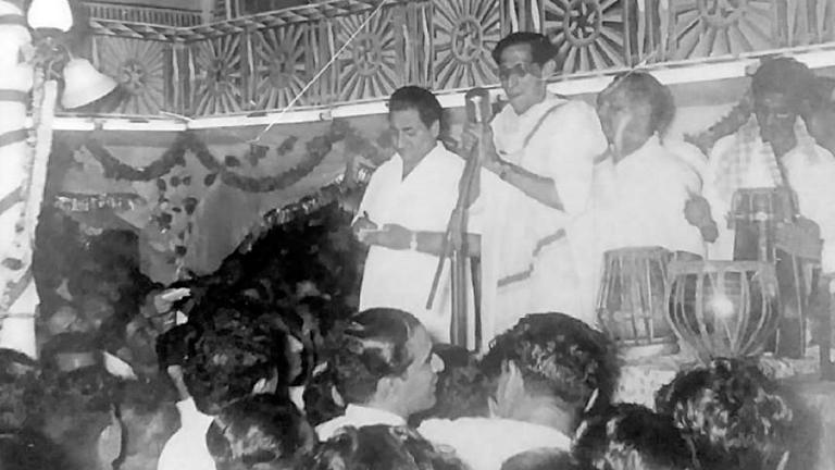 മുഹമ്മദ് റഫി തിരുവനന്തപുരത്ത് ഗാനമേള അവതരിപ്പിക്കുന്നു