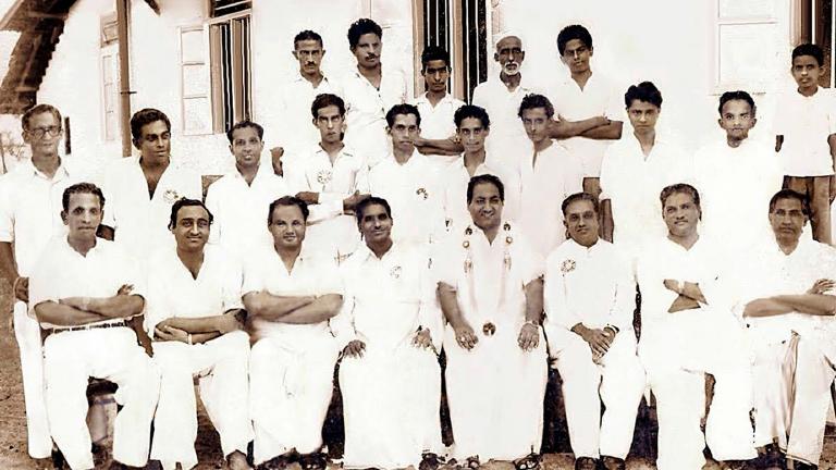 മുഹമ്മദ് റഫി തലശ്ശേരി മുബാറക് സ്കൂൾ സന്ദർശിച്ചപ്പോൾ
