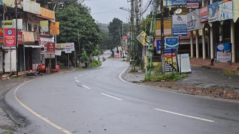 വിജനമായ പത്തനംതിട്ട - തിരുവല്ല റോഡ്